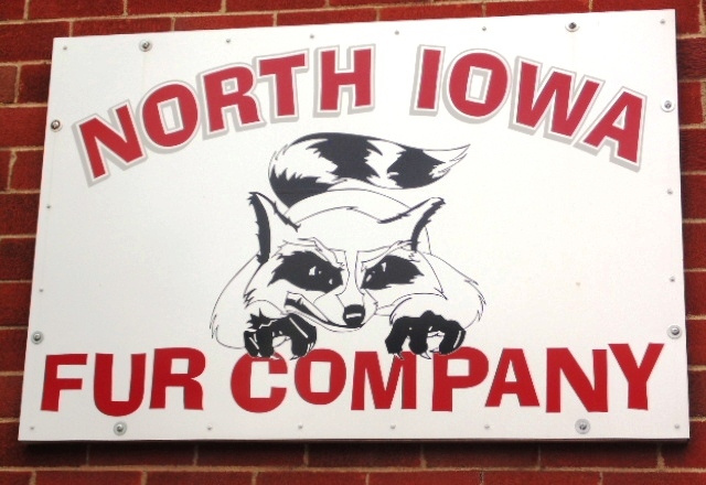 North Iowa Fur Company - Fredericksburg, IA - Buyer of Fur and Deer Hides